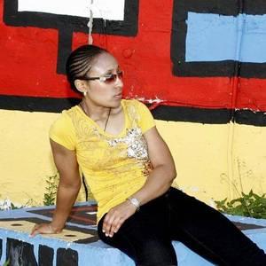 Leeza Monay