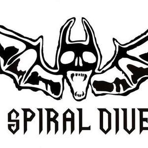 SPIRAL DIVE