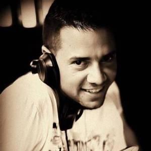 DJ Wizzl