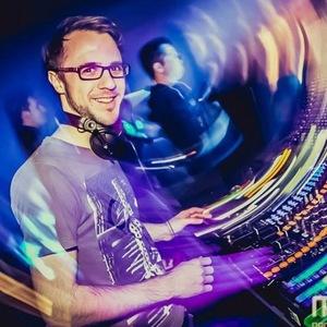 DJ Leroy White