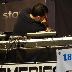 DJ Mo Niklz