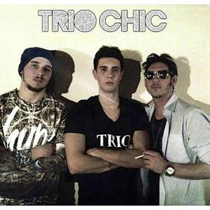 TRIO CHIC