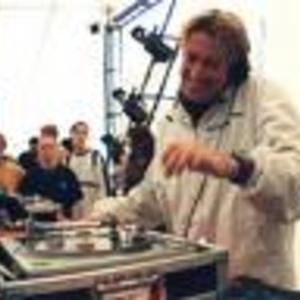 DJ Scott Henry