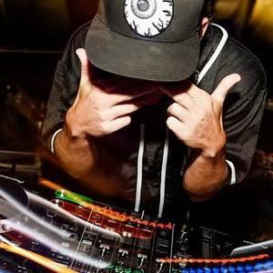 DJ - SENiOR BLO