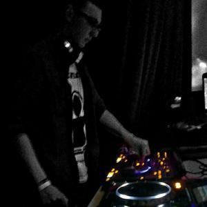 DJ mono.B