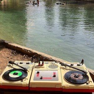 DJ b.read