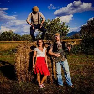Paola Ronci & The Hay Bale Stompers