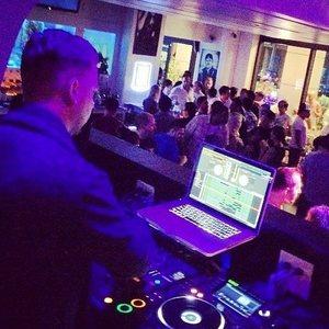 DJ Kelly Crawford