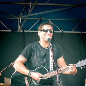 Dave Luna Acoustic Artist
