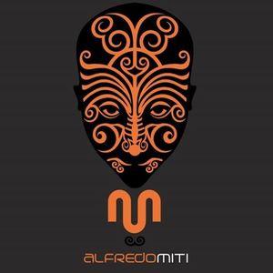 Alfredo Miti music and video