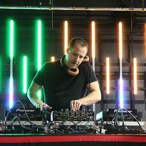 DJ L.O.