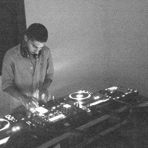 DJ moe fluorescent