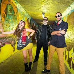 Howlin' Daz and the Free Radicals
