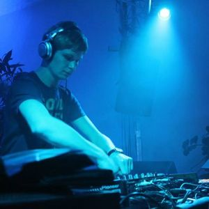 DJ Ampless