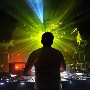 DJ Luke Andrews