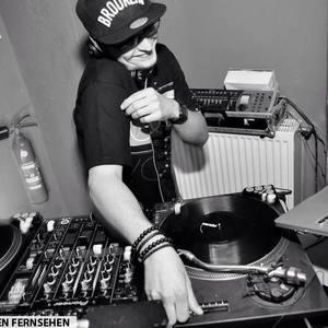 DJ B-HOTTT