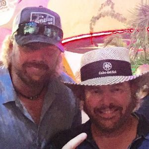 Toby Keith impersonator