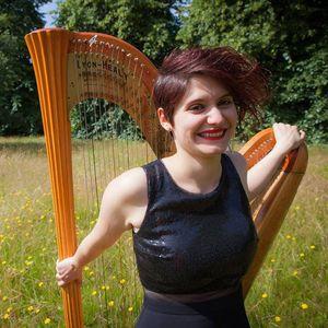 Anna Quiroga London Harpist