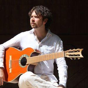 Guitarist Joel Pipkin