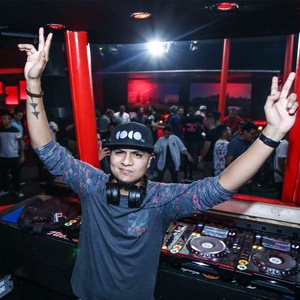 DJ Carlos Claros