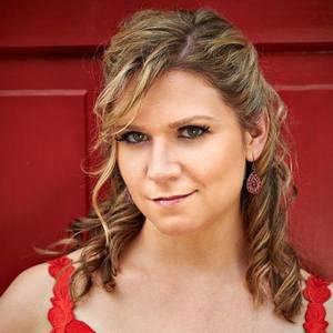 Anna Huntley Mezzo-Soprano