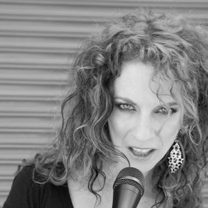 Christine Baze (Band Page)