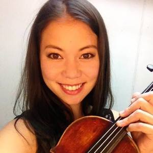 Olivia Momoyo Resch - Violinist