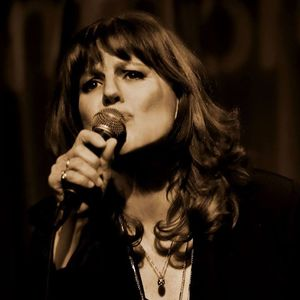 Linda Solotaire, Chanteuse