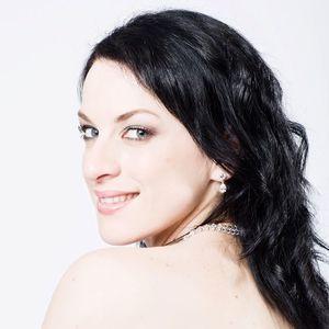 Madeleine Pierard - Soprano