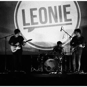 Leonie Official Fan Page