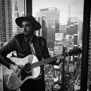 Rhett Shull (Guitarist)