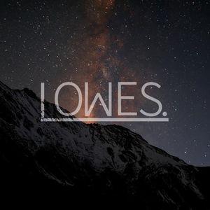 LOWES.