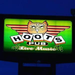Hoots Pub