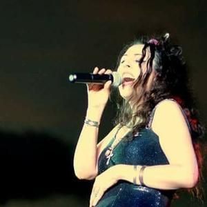 Dena Miller Sings