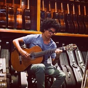 Caio Maximo Guitar