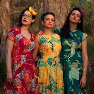 The Hazelnuts :: האחיות לוז