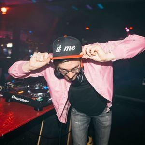 DJ it me
