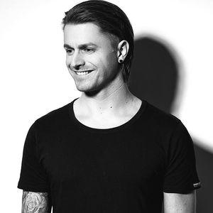 DJ Chris Gomez