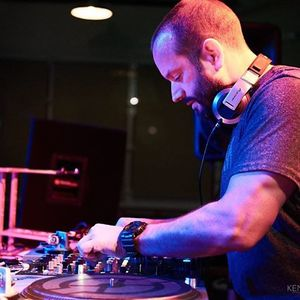 DJ DAV