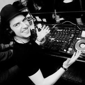 DJ FLO.Motion