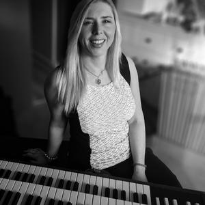 Adrienne McKay Musician