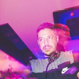 DJ TIERRY