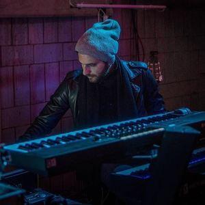 Sebastián Pecznik: Guitarrista, Compositor y Arreglador