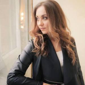 DJ Chloé Fontaine