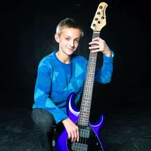 Gabriel Severn, Bass
