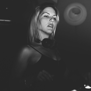 Anna Tur DJ