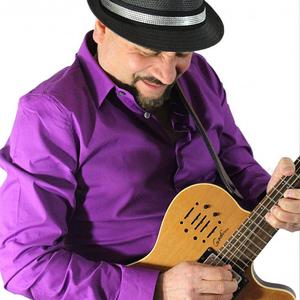 Victor Samalot / Solo instrumental Guitarist