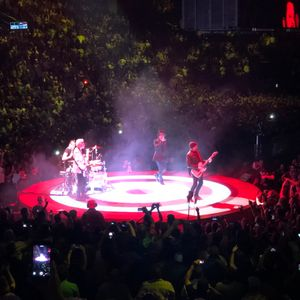 u2 at nashville tn in bridgestone arena 2018 - U2 At Madison Square Garden