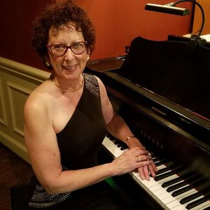 Jackie Rylee Professional Pianist