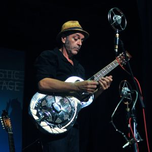 Vince Lee - Blues Guitarist